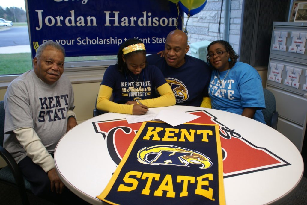 HHS_-_Jordan_Hardison_signing