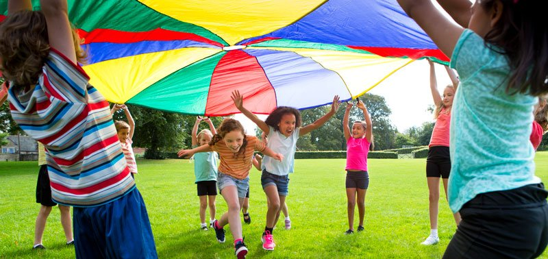 Parachute-game-cropped-web-800