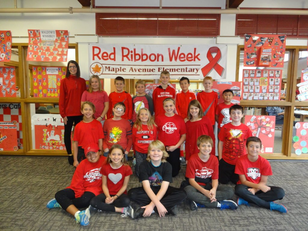 maple-red-ribbon-week-2017-3